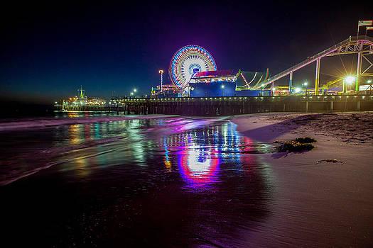 Santa Monica Spin by Robert  Aycock