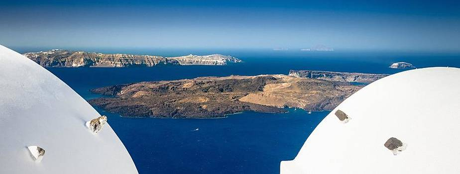 Santorini Panorama by Bjoern Kindler