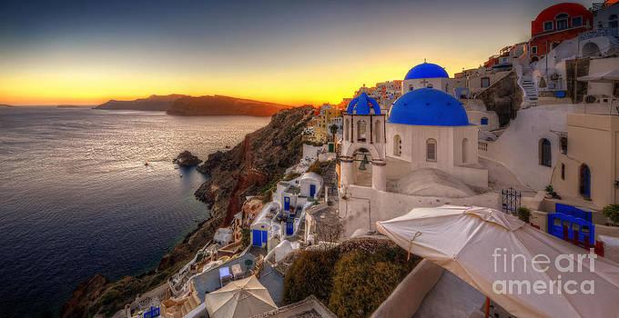 Yhun Suarez - Santorini Sunset
