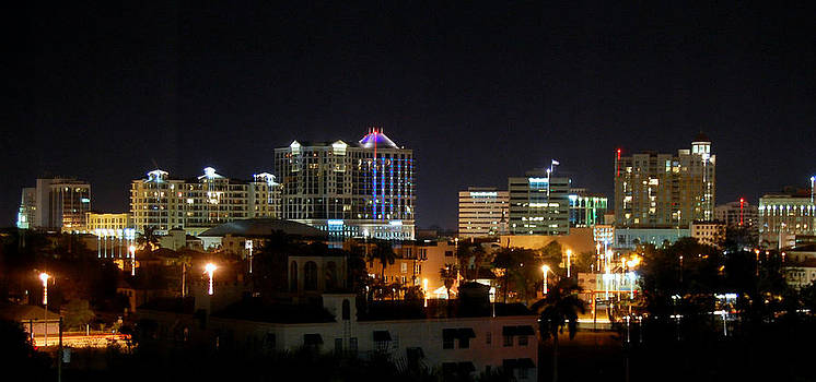 Linda Rae Cuthbertson - Sarasota Panoramic Skyline at Night