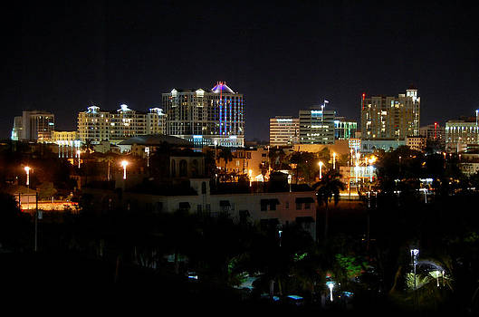 Linda Rae Cuthbertson - Sarasota Skyline at Night