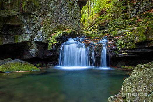 Katka Pruskova - Satina Waterfall I