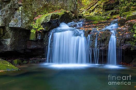 Katka Pruskova - Satina Waterfall II