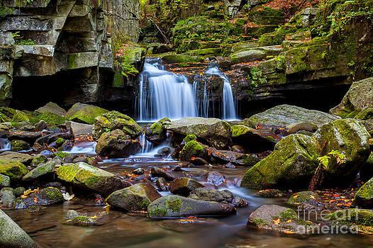 Katka Pruskova - Satina Waterfall IV