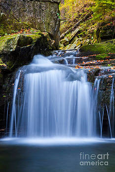 Katka Pruskova - Satina Waterfall V
