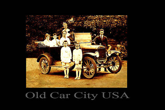 Richard Erickson - Satterfield Postcard Old Car City USA