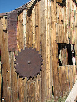 Saw blade on Barn by Marie-Pierre Sabga