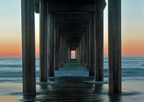 Scripps Pier by Heidi Pence