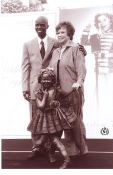 Sculptor Nijel Binns and Shirley Temple by Nijel Binns