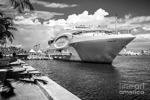 Ian Monk - Seafair art venue yacht moored in Miami - Black and White