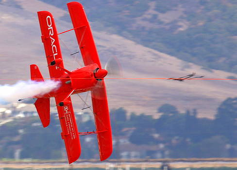 John King - Sean Tucker Cuts the Ribbon in his Oracle Challenger at Salinas KSNS Airshow