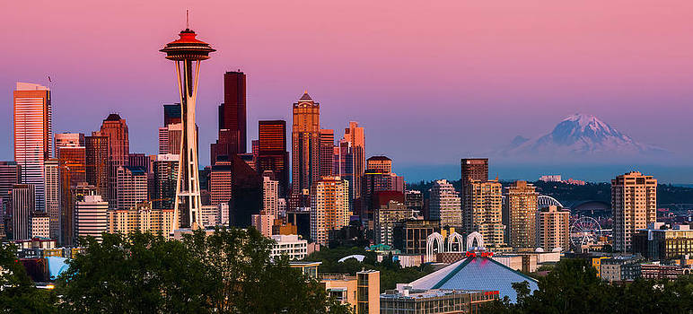 Seattle as the Sun Sets by Ryan Manuel