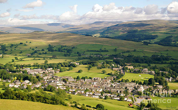 Sedbergh from the Howgills by Tess Baxter