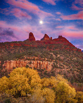 Sedona Sunset by Shanna Gillette