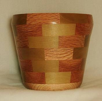 Segmented Bowl Turning by Russell Ellingsworth