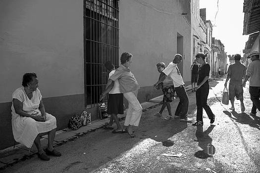 Patricia Hofmeester - Seniors exercising on the street in Cuba