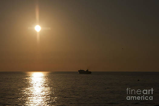 Setting Sun by Trevor Buchanan