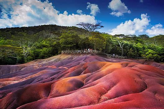 Jenny Rainbow - Seven Colored Earth in Chamarel. Mauritius