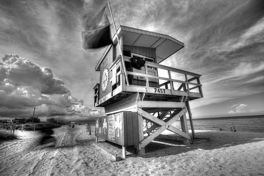 Shamrock Lifeguard House BW by Derek Latta