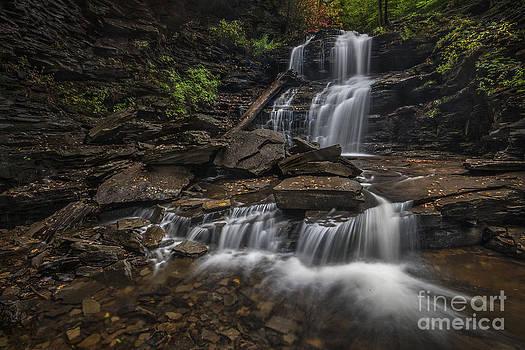 Shawnee Falls by Roman Kurywczak