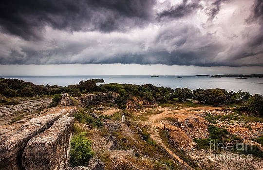 Shelf cloud over the sea by Marko Korosec