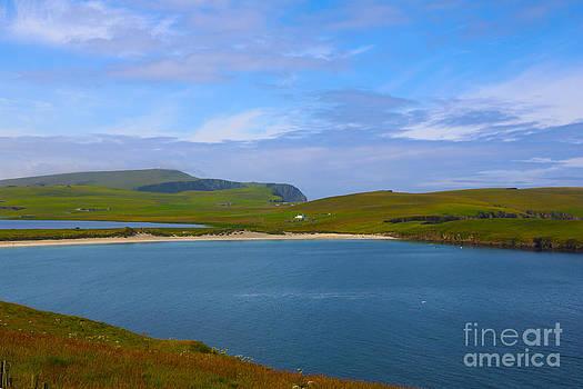 Shetland Beach by Dan Hilsenrath