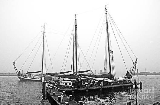 Pravine Chester - Ships of Volendram