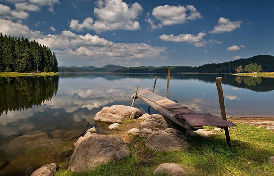 Shiroka Polyana dam lake by Andrey Trifonov