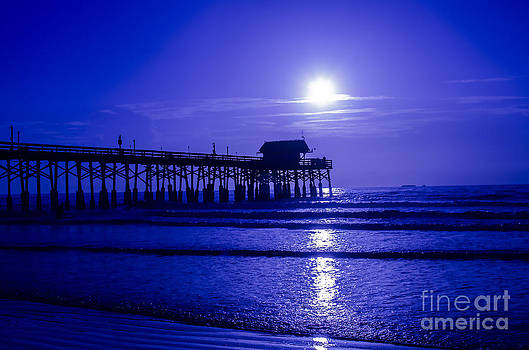 Shoot The Pier by Jerry Hart
