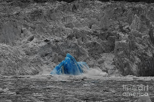 Shooting glacier by Camilla Brattemark