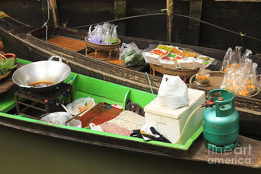 Shop On The Boats At Klong Lat Mayom by Pakorn Kitpaiboolwat