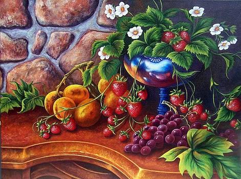 Silver Vase by Glenda Stevens