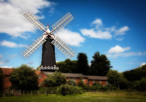 Skidby Mill by Paul Davis