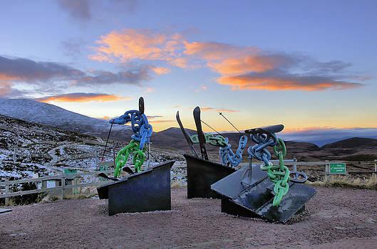 Skiers Sunset by Catherine Perkinton