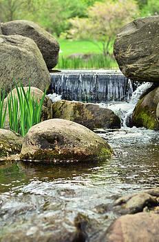 Gynt - Small waterfall