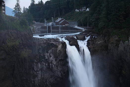 Snoqualmi by Donald Torgerson