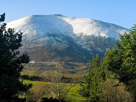 Snow Caped Nephin by Tony Reddington