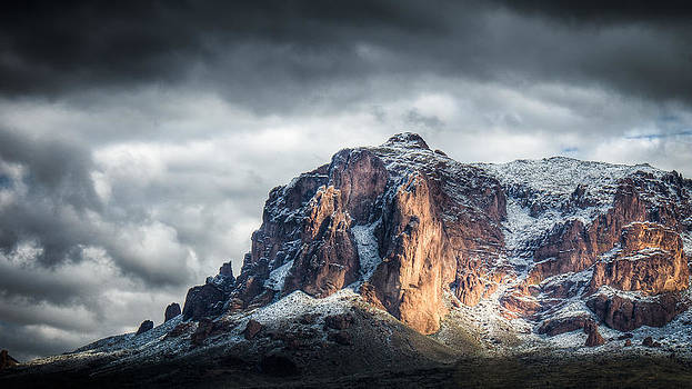 Snow in the Superstitions by Nick  Cardona