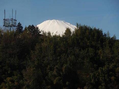 Snow top view of MT Fuji by Siva Guru