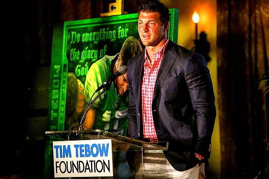 Donated ORIGINAL PAINTING OF TIM TEBOW  DO EVERYTHING FOR THE GLORY OF GOD BY JOHN PRINCE by Sports Art World Wide John Prince