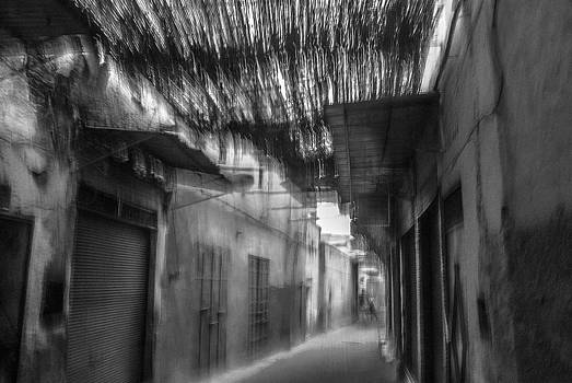 Souck alley in Marrakech by Ellie Perla
