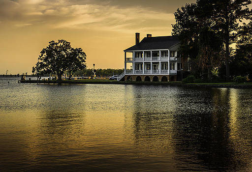 Southern Charm by Chris Modlin