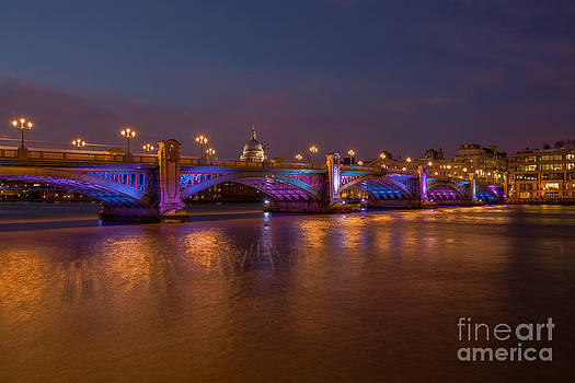 Southwark Bridge by Pete Reynolds