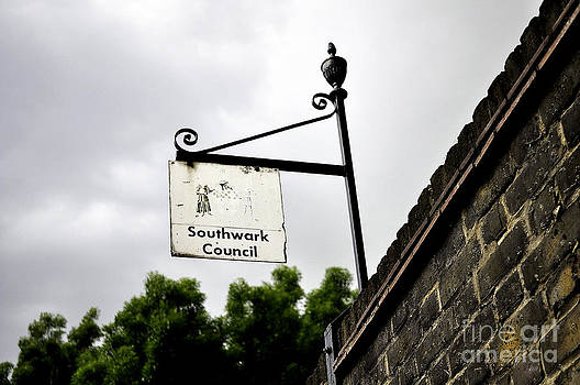 Southwark Council by Andres LaBrada