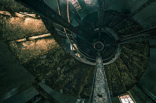 Spiral by Akos Kozari