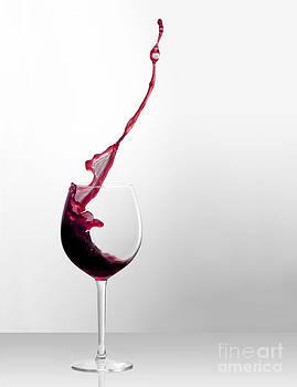 Splashing Bordeaux by Martina Roth