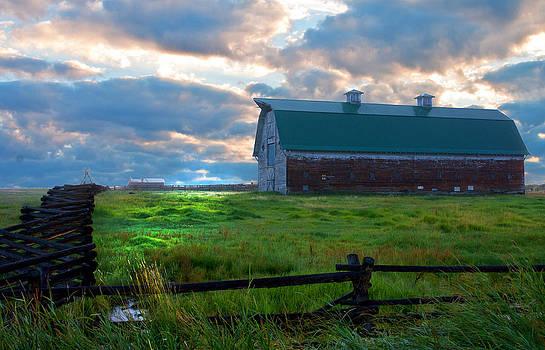 Randall Branham - Split Rail fence barn