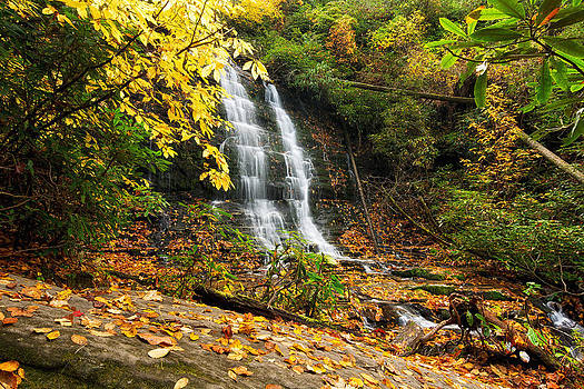 Spoonauger Falls - Fall Colors by Dustin Ahrens