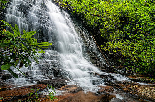 Spoonauger Falls South Carolina by Dustin Ahrens