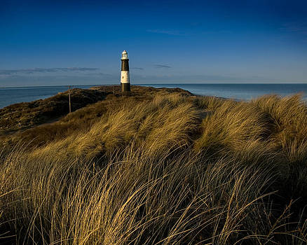 Spurn Point lighthouse by Paul Indigo